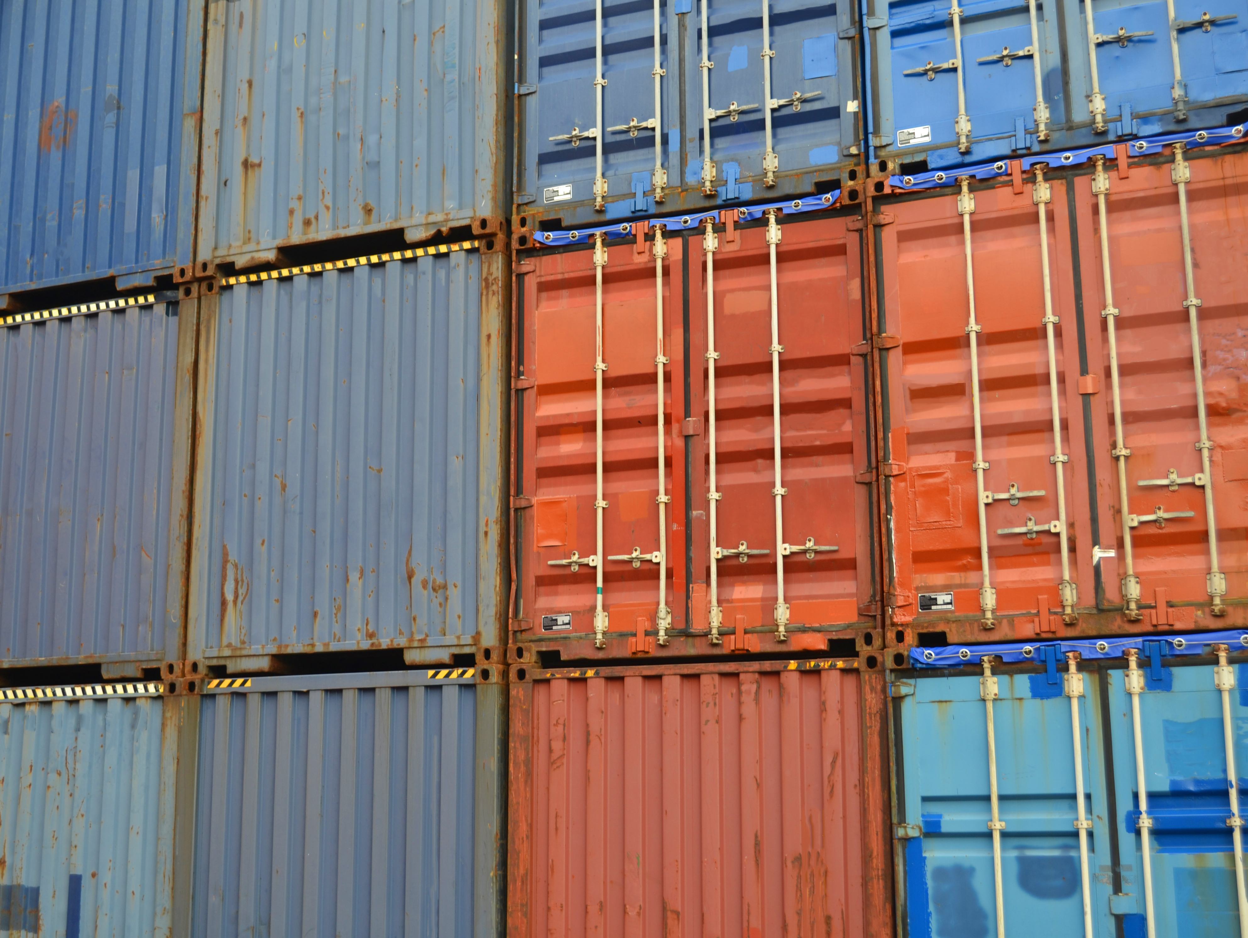 Used containers anders.jpg